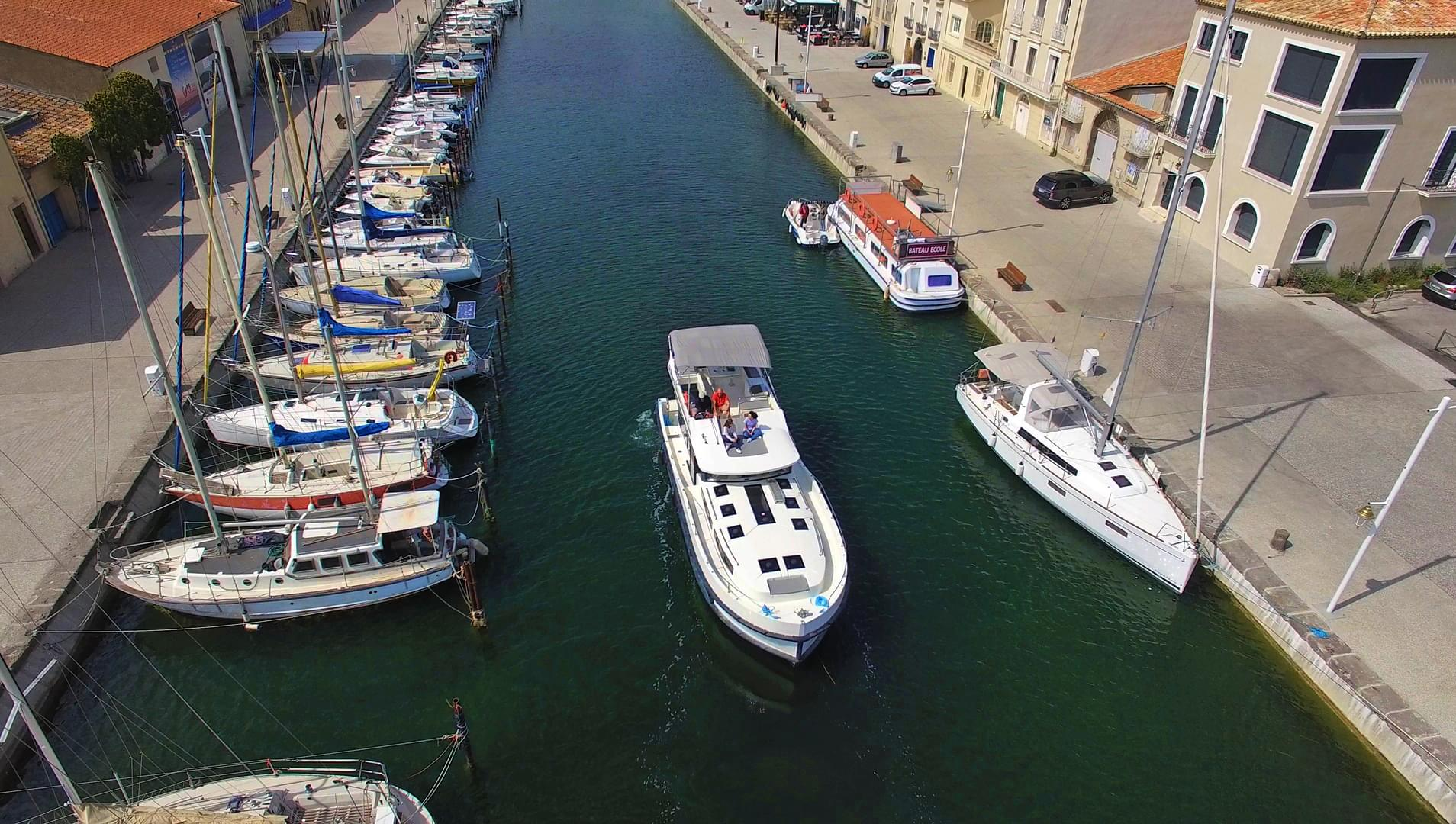Le Boat image